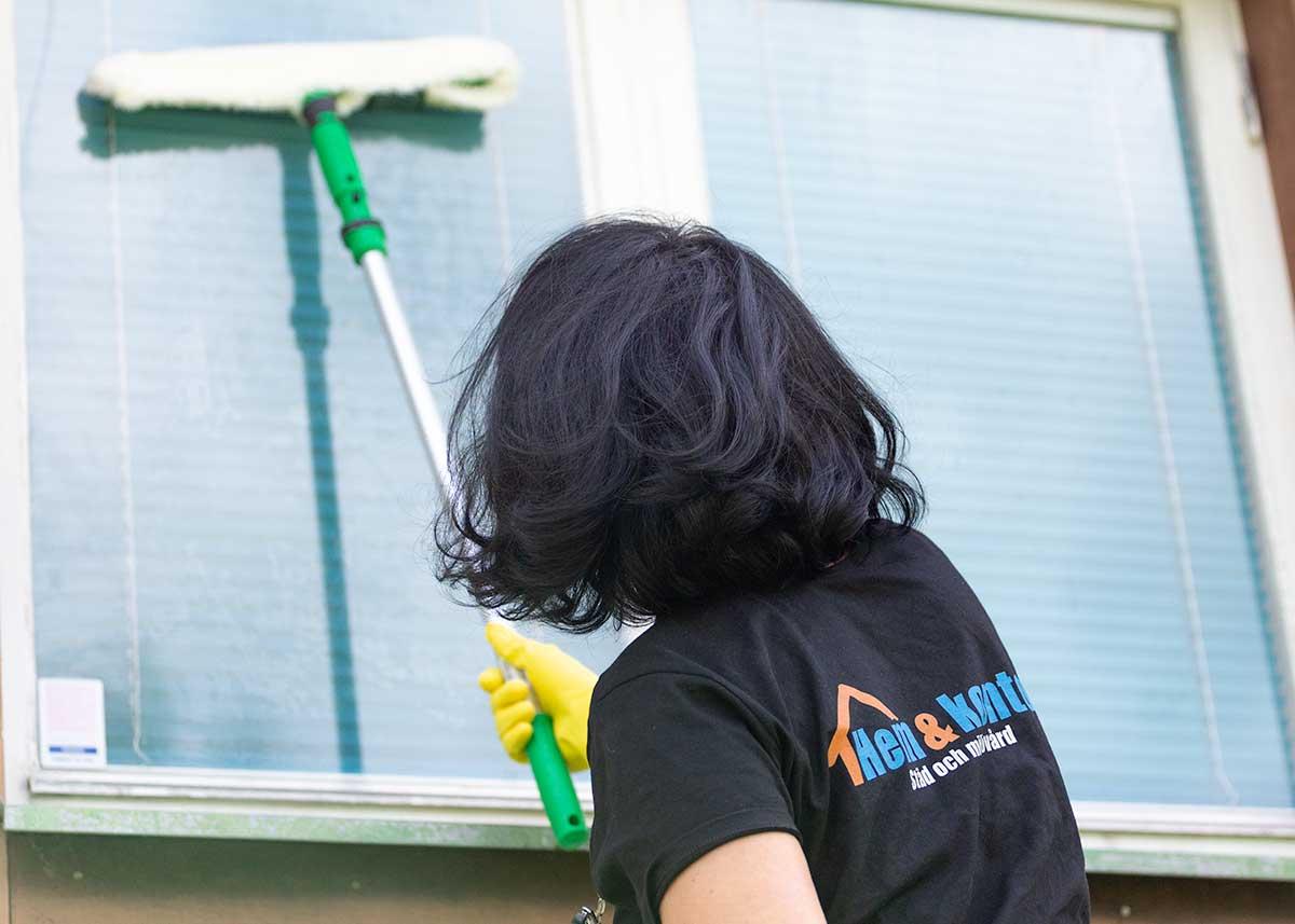 Fönsterputs i Växjö och Alvesta för företag och hushåll.