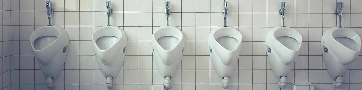 Att spola av badrummet med duschen är INTE samma sak som flyttstädning av badrummet.